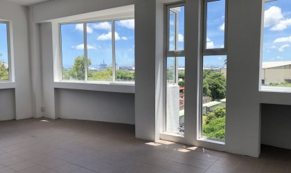 Unfurnished Renting - Office(s) - les-salines