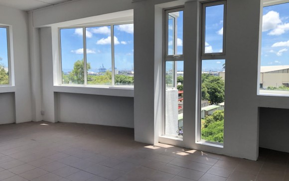 Unfurnished Renting - Office(s) - port-louis