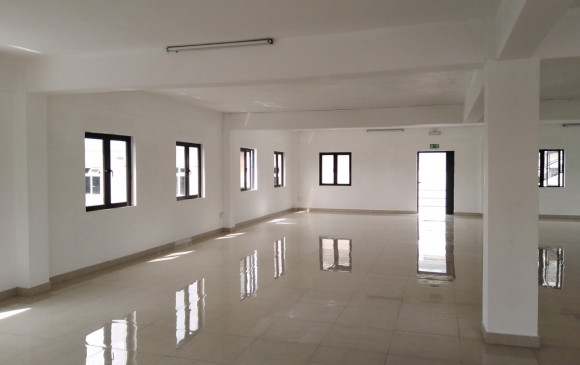 Unfurnished Renting - Commercial space - mapou